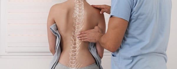 اسکولیوز چگونه در گلف بازان تشخیص داده میشود؟