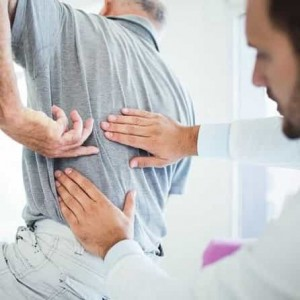 تشخیص گودی کمر اندازه گیری میزان قوس کمر برای درمان بهتر