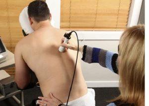 درمان اسکولیوز با لیزر تراپی