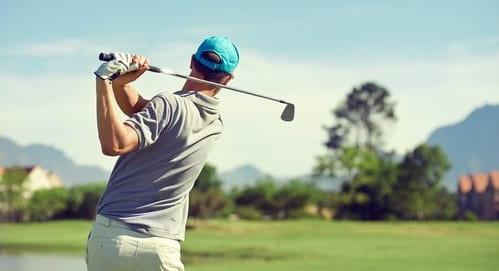 علائم اسکولیوز در گلف بازان چیست