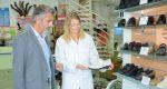 کفش طبی چه ویژگی و مزیتهایی دارد و برای چه افرادی مناسب است؟